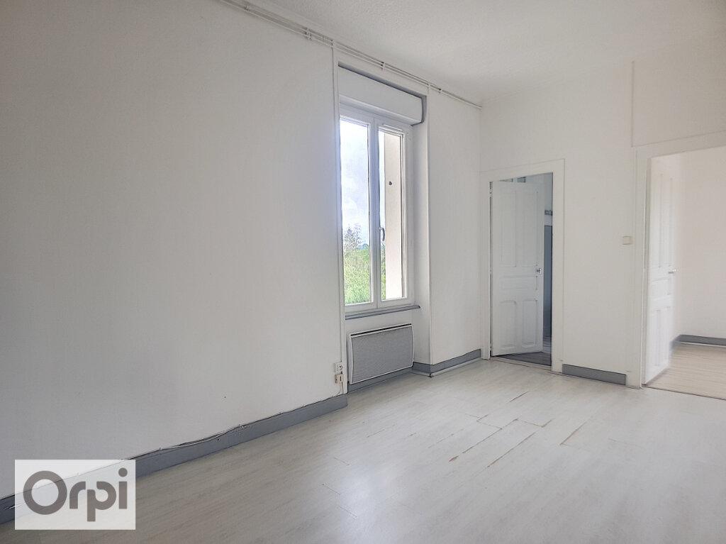 Appartement à louer 3 62m2 à Commentry vignette-5