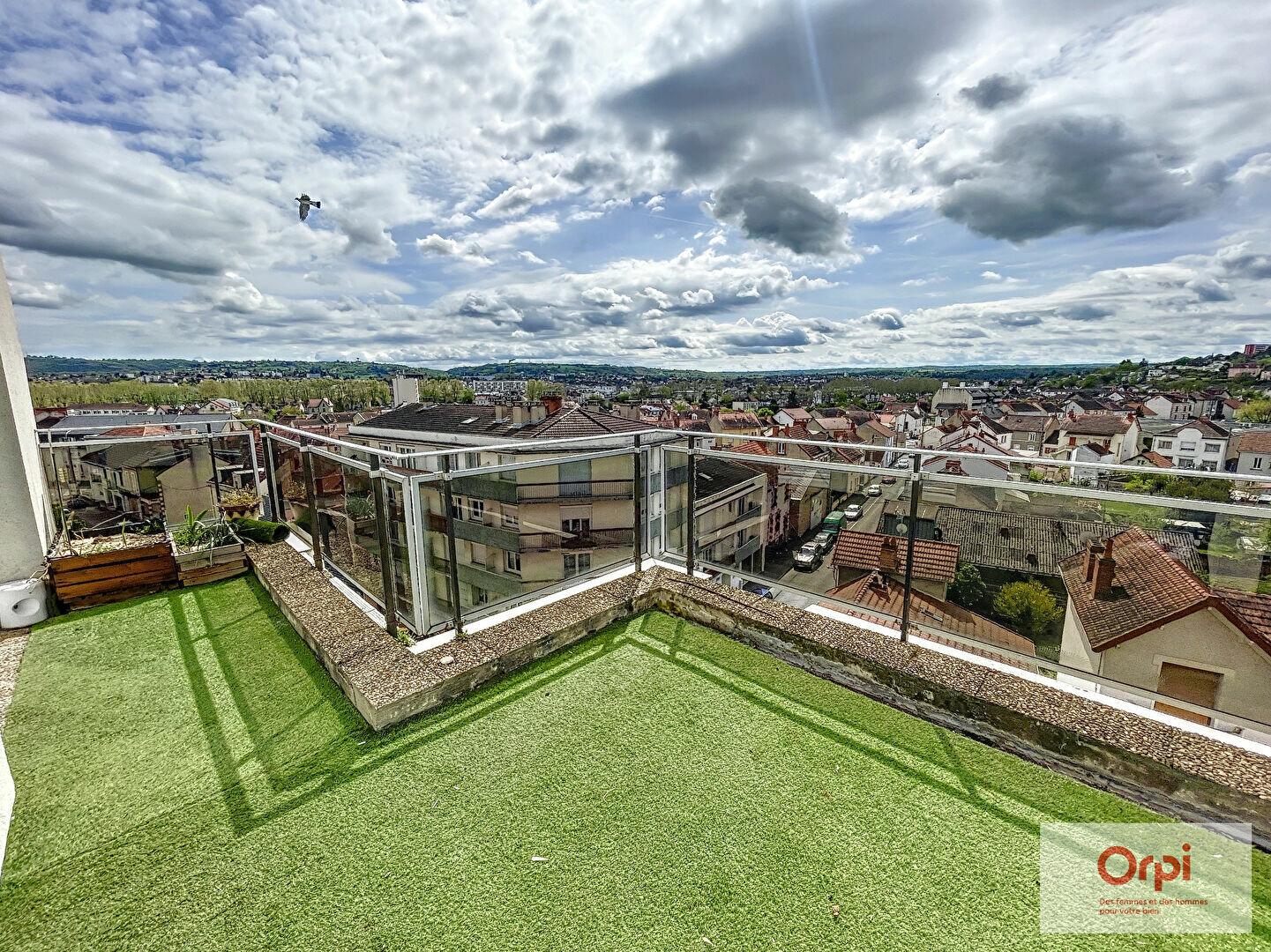 Appartement à louer 3 65.4m2 à Montluçon vignette-1
