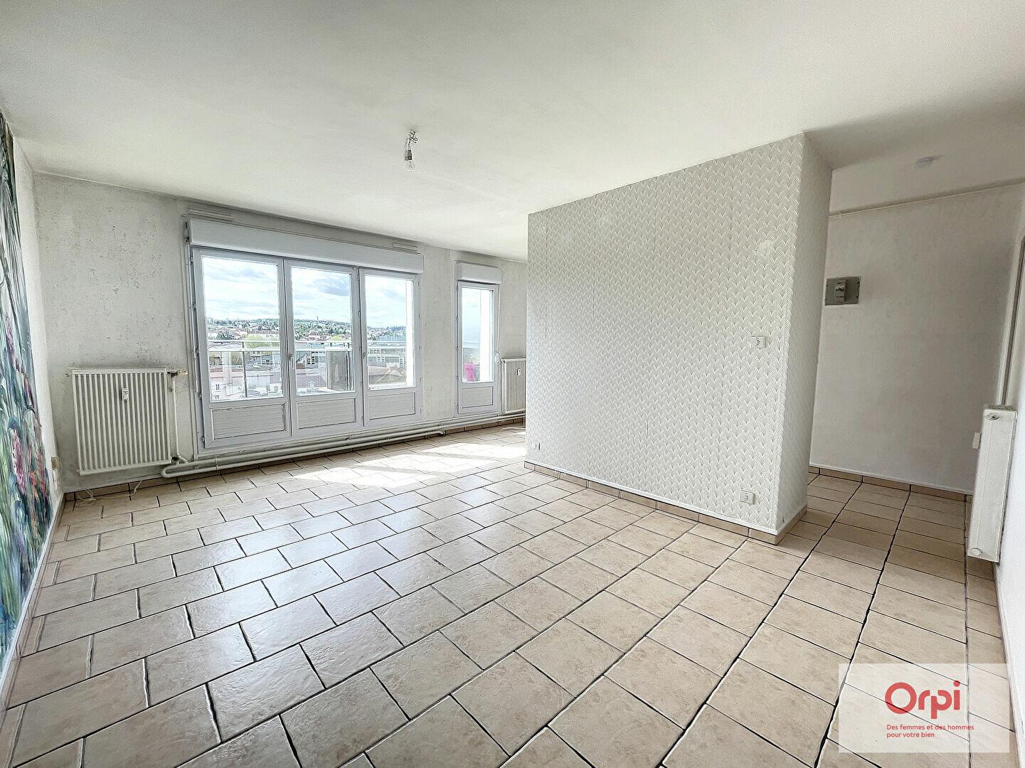 Appartement à louer 3 65.4m2 à Montluçon vignette-4