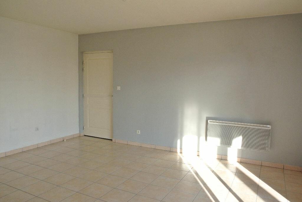 Appartement à louer 2 37.88m2 à Montluçon vignette-6