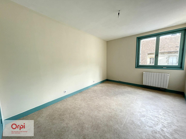Appartement à louer 3 94.63m2 à Montluçon vignette-4