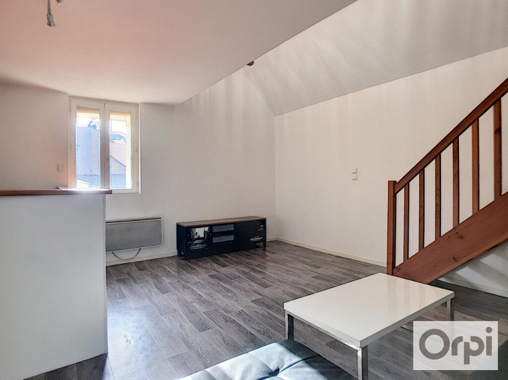 Appartement à louer 2 62.01m2 à Montluçon vignette-5