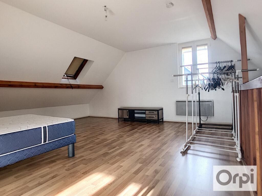 Appartement à louer 2 62.01m2 à Montluçon vignette-6