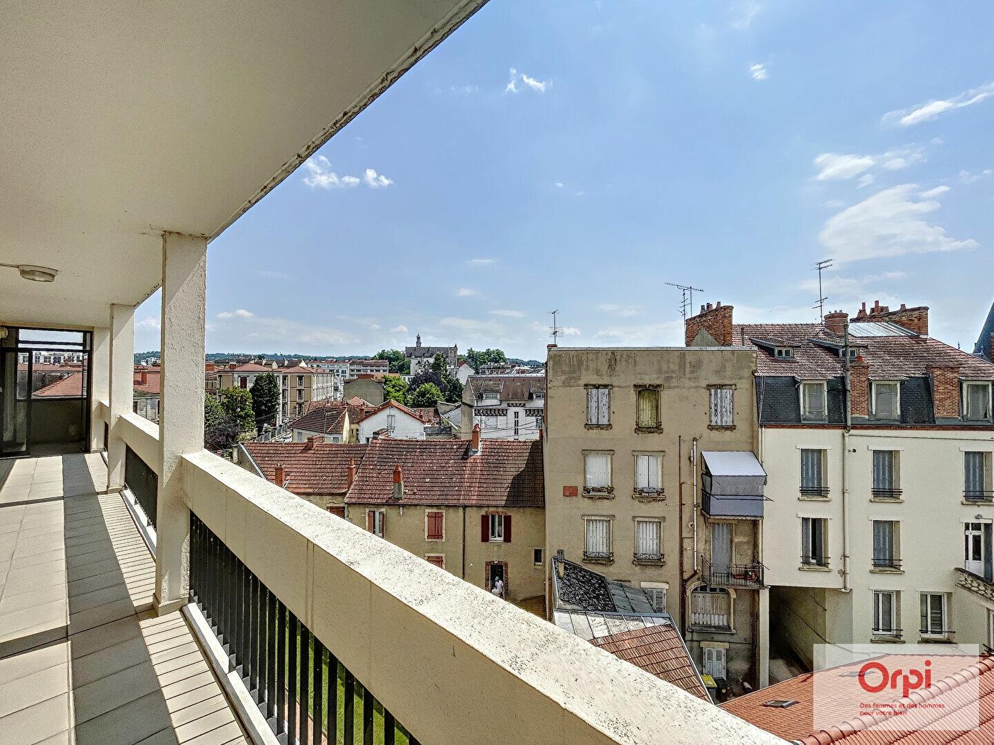 Appartement à louer 3 71m2 à Montluçon vignette-2
