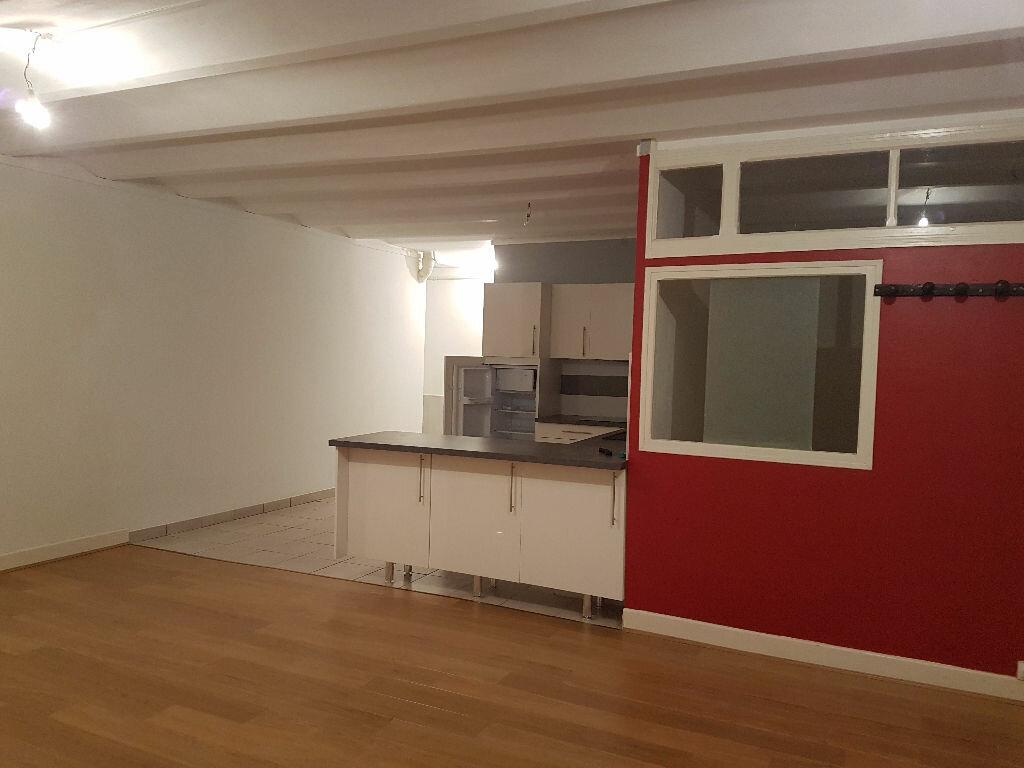 Appartement à louer 2 48m2 à Néris-les-Bains vignette-1