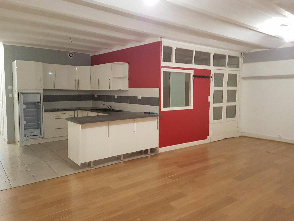 Appartement à louer 2 48m2 à Néris-les-Bains vignette-2