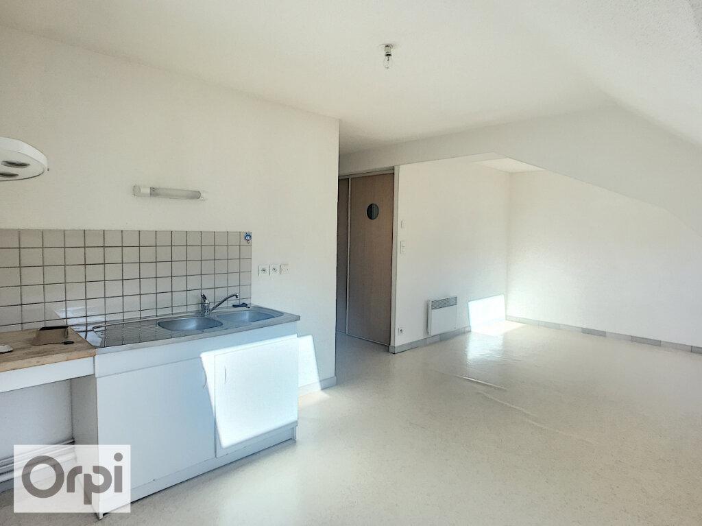 Appartement à louer 2 42m2 à Montluçon vignette-1