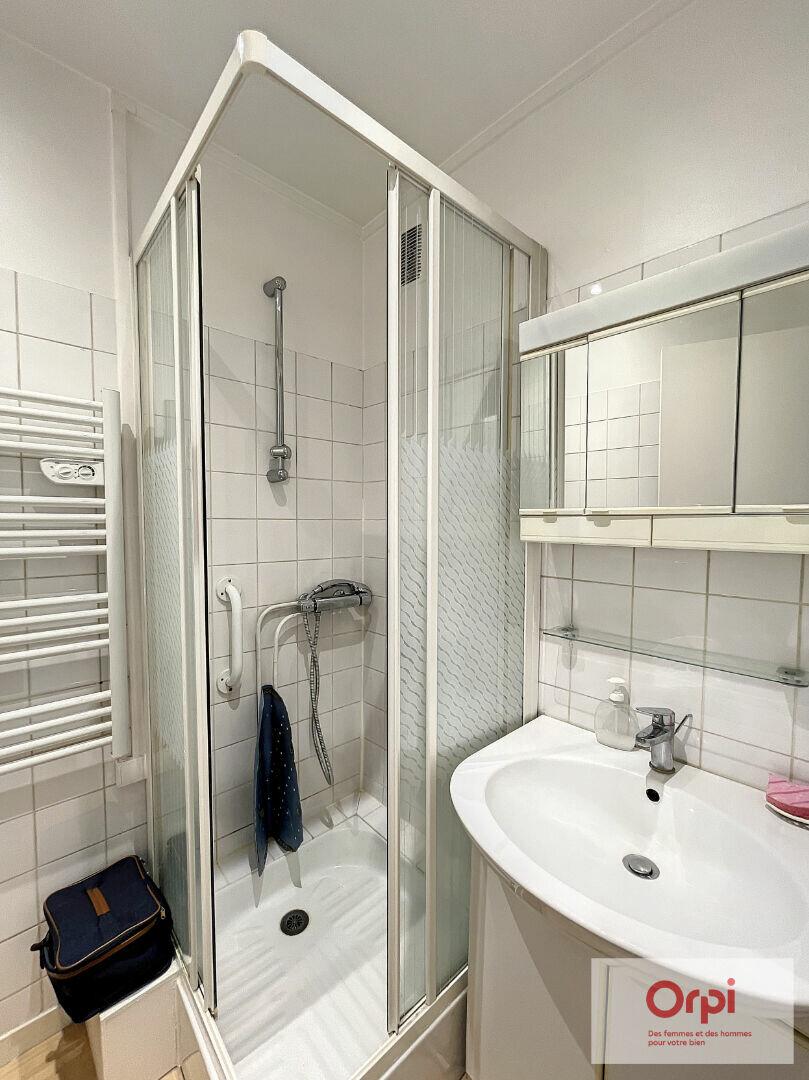Appartement à louer 2 60m2 à Montluçon vignette-7