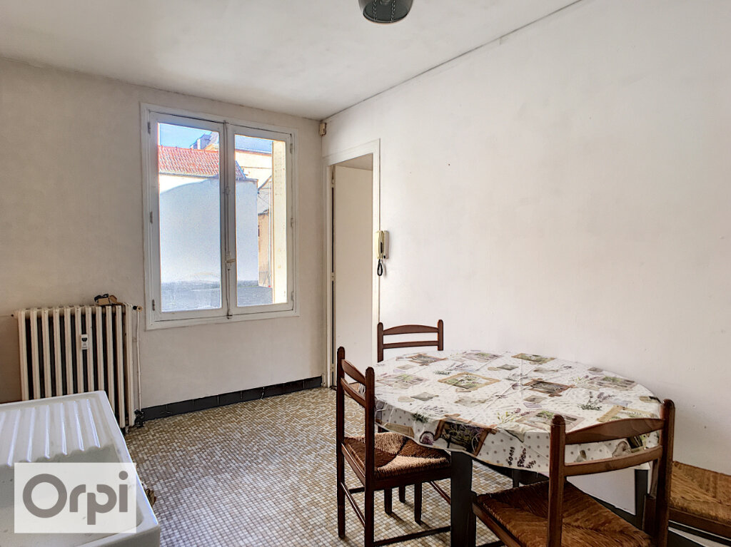 Appartement à louer 1 37m2 à Montluçon vignette-6
