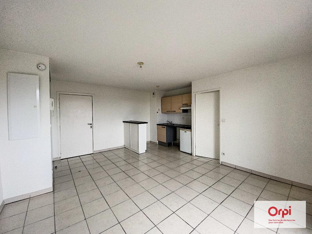 Appartement à louer 2 43.3m2 à Montluçon vignette-1