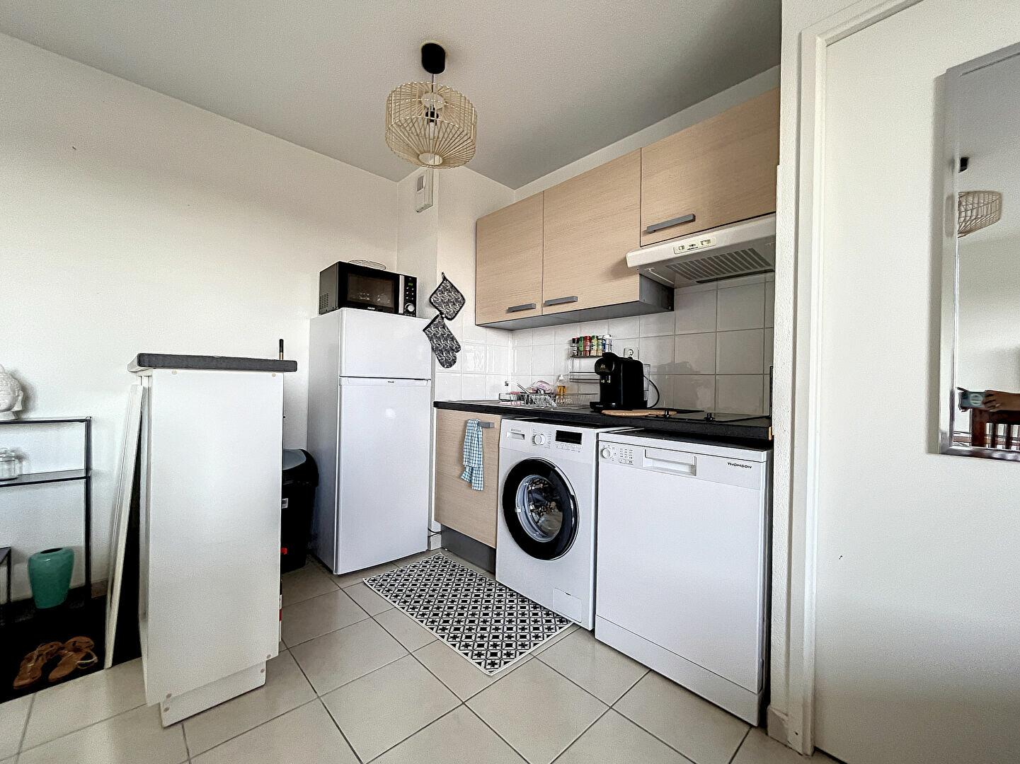 Appartement à louer 2 43.3m2 à Montluçon vignette-2
