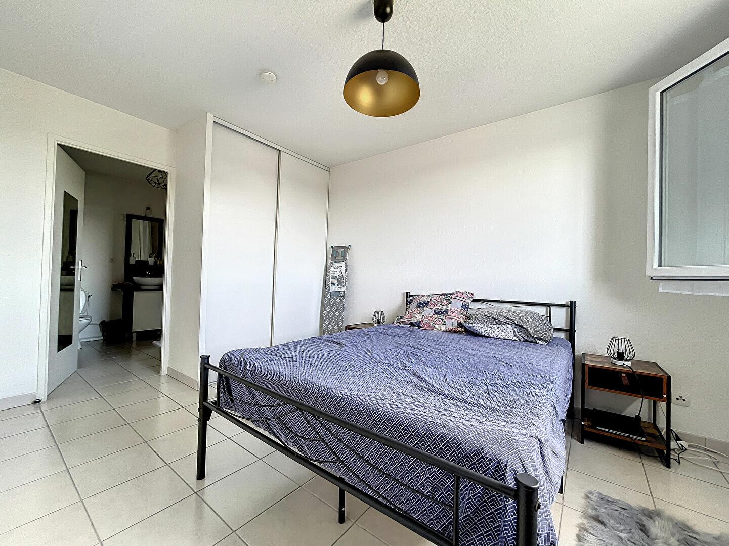 Appartement à louer 2 43.3m2 à Montluçon vignette-4