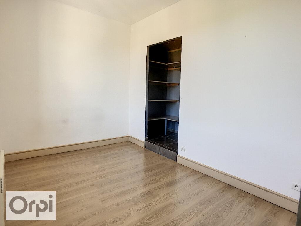 Appartement à louer 1 36m2 à Montluçon vignette-4