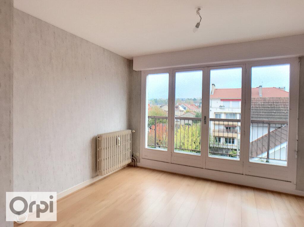 Appartement à louer 2 50m2 à Montluçon vignette-2