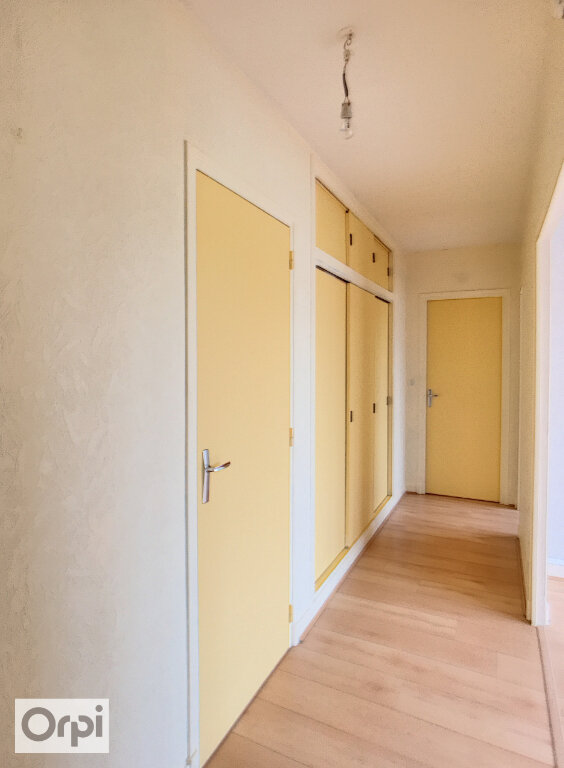 Appartement à louer 2 50m2 à Montluçon vignette-3