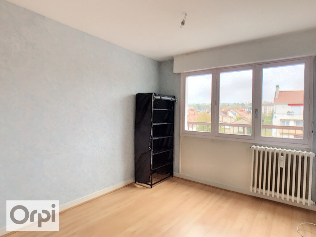 Appartement à louer 2 50m2 à Montluçon vignette-4