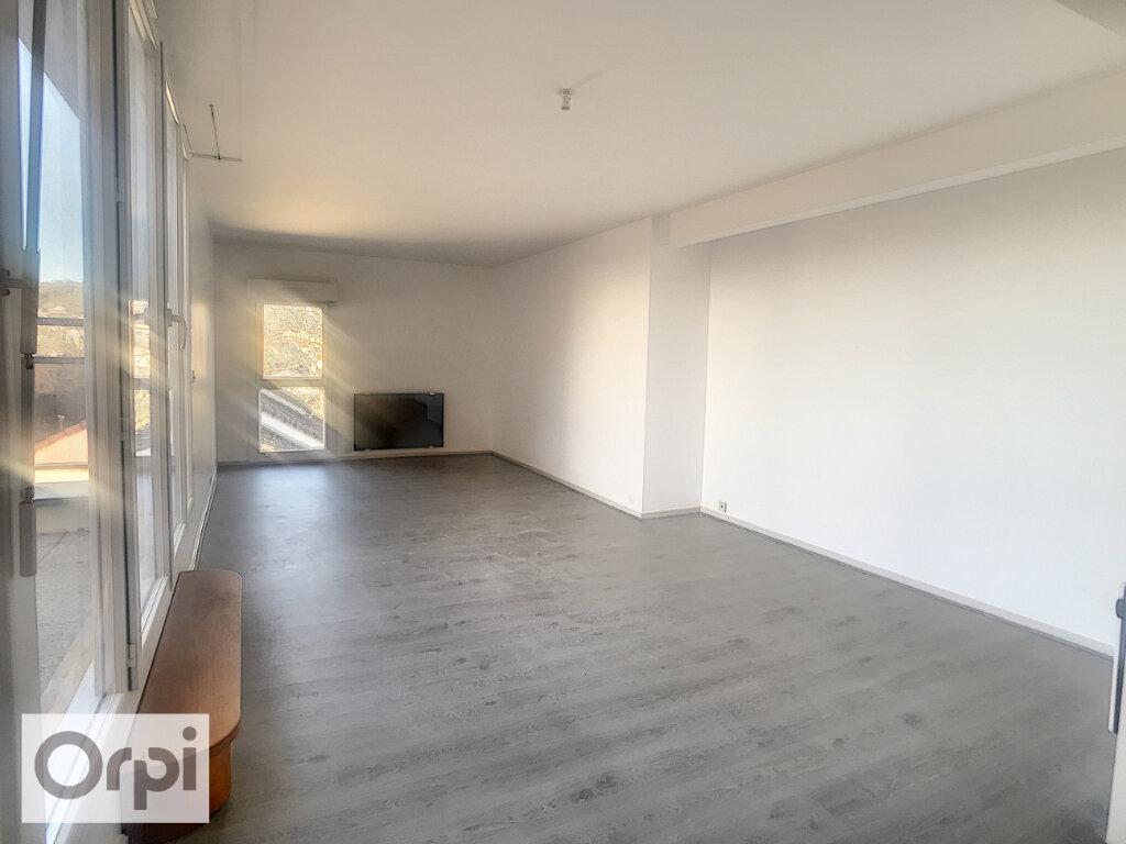 Appartement à louer 3 80m2 à Montluçon vignette-2