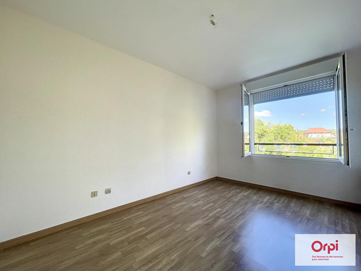 Appartement à louer 2 39.29m2 à Montluçon vignette-3