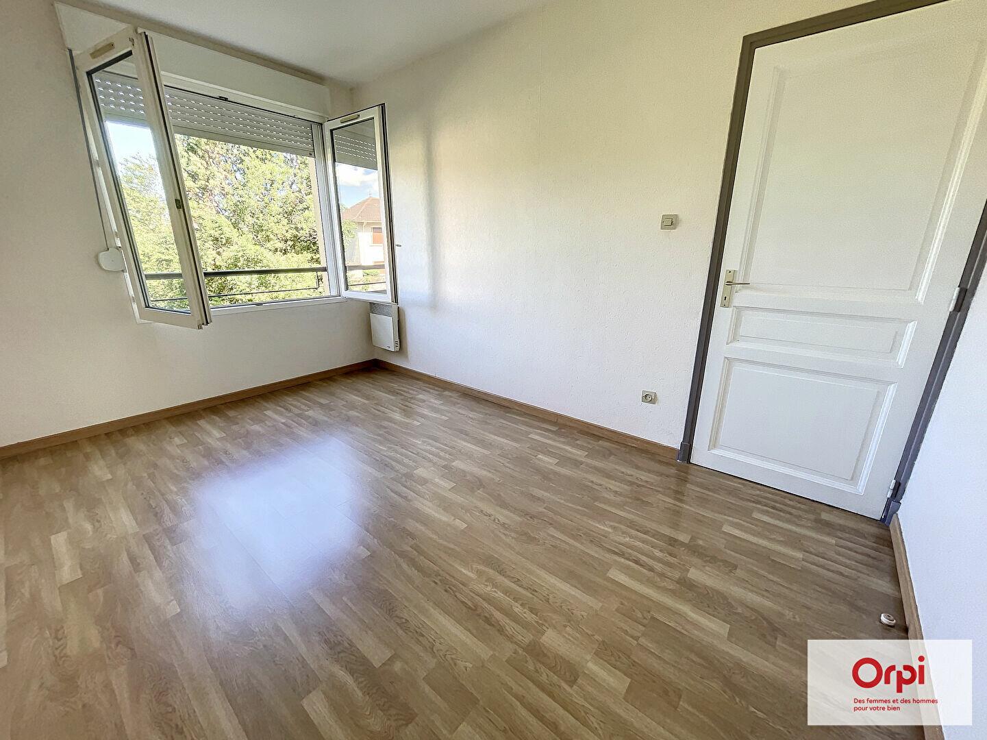 Appartement à louer 2 39.29m2 à Montluçon vignette-4