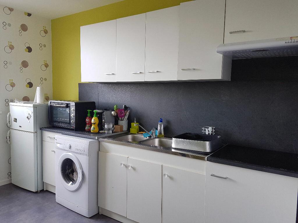 Appartement à louer 2 49.54m2 à Montluçon vignette-1