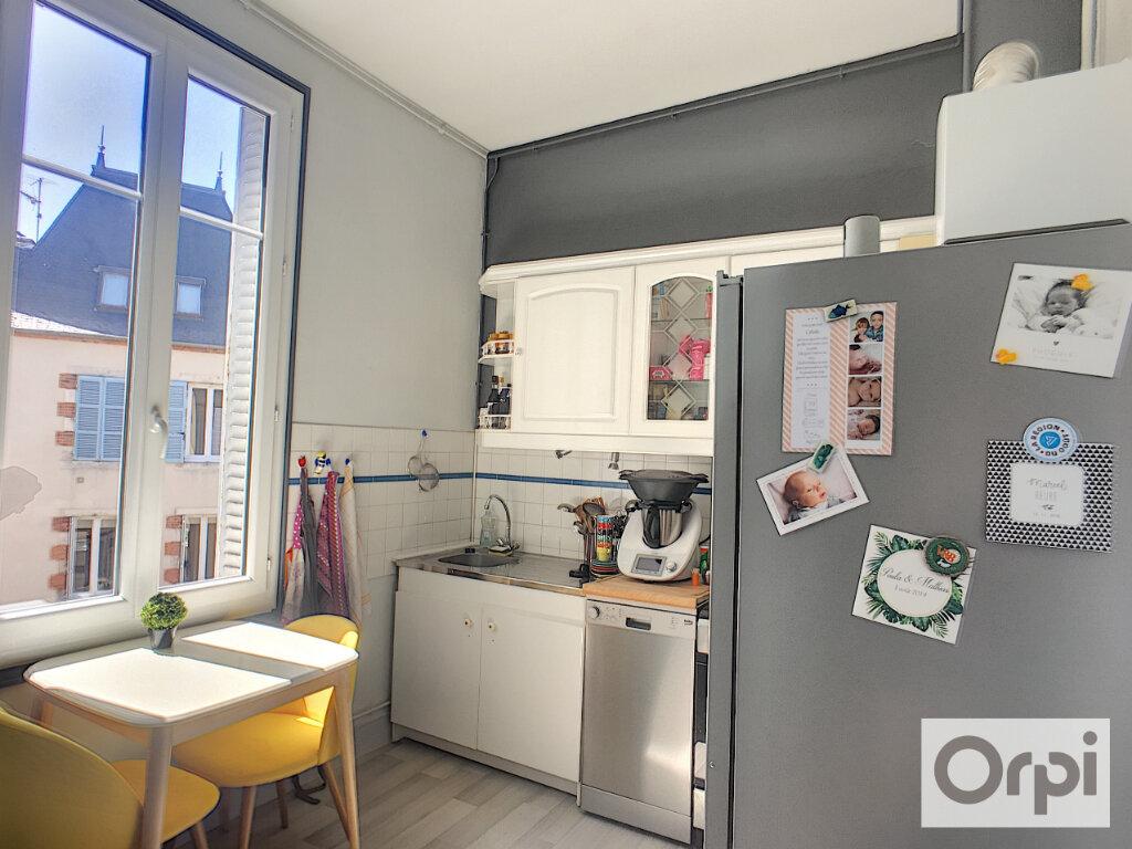 Appartement à louer 3 95.8m2 à Montluçon vignette-3