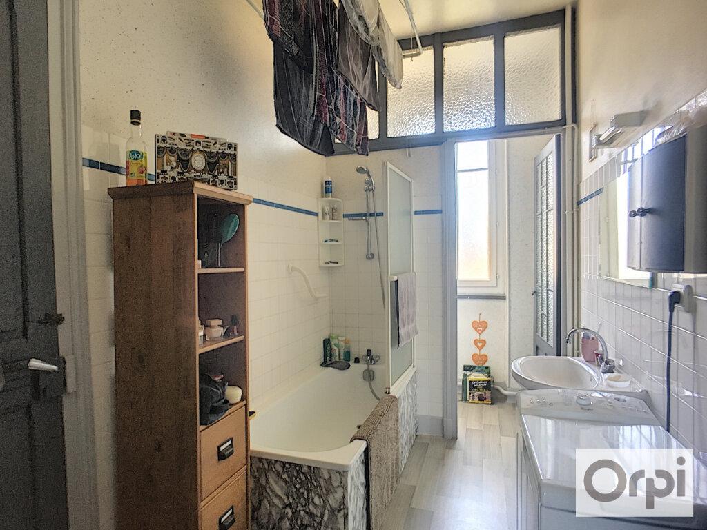 Appartement à louer 3 95.8m2 à Montluçon vignette-6