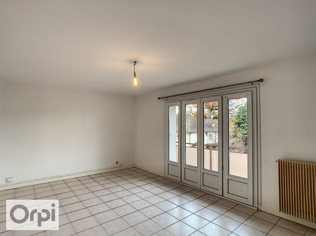 Appartement à louer 3 64.33m2 à Montluçon vignette-5