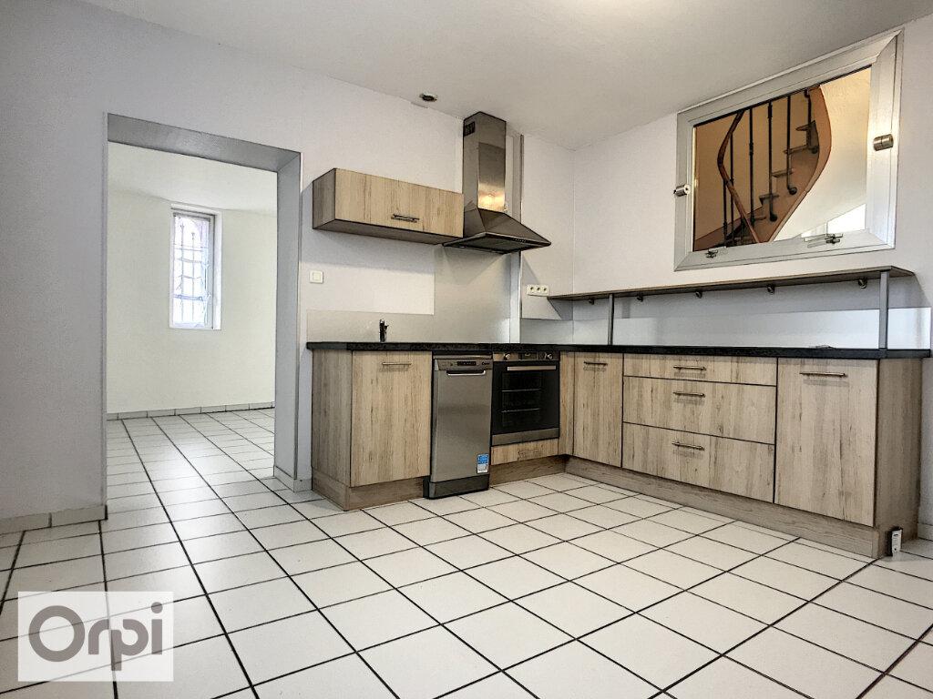 Appartement à louer 3 71.21m2 à Montluçon vignette-1