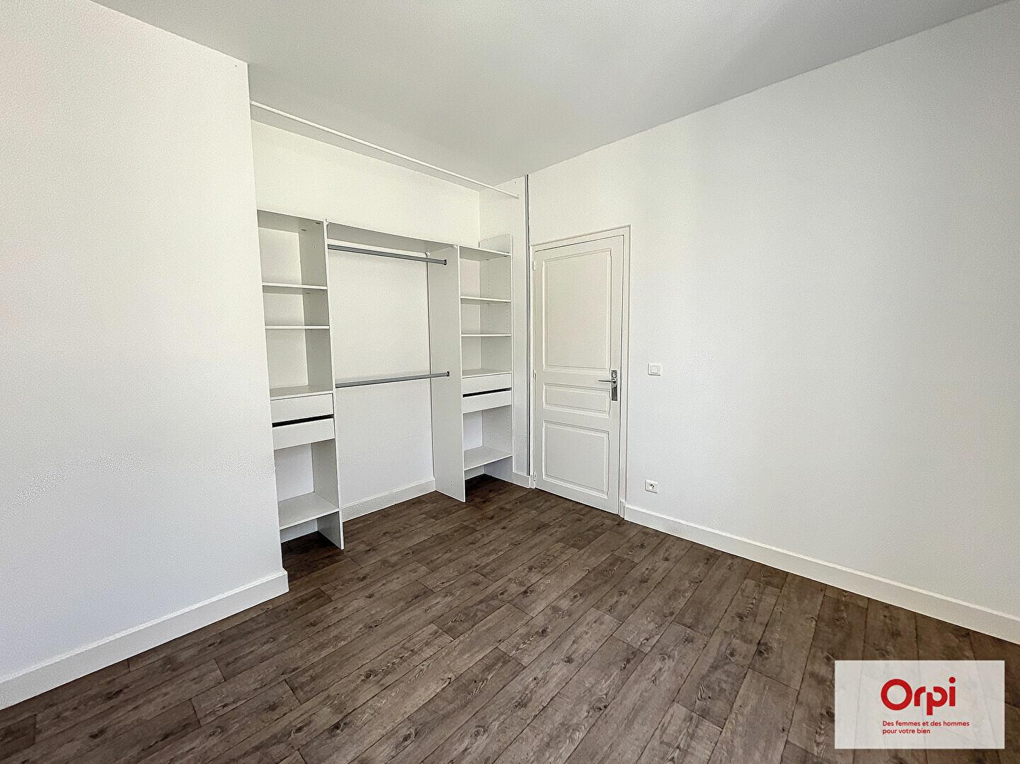Appartement à louer 3 71.21m2 à Montluçon vignette-6