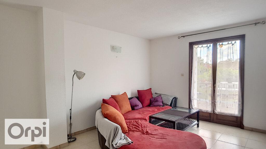 Appartement à louer 2 46m2 à Montluçon vignette-3