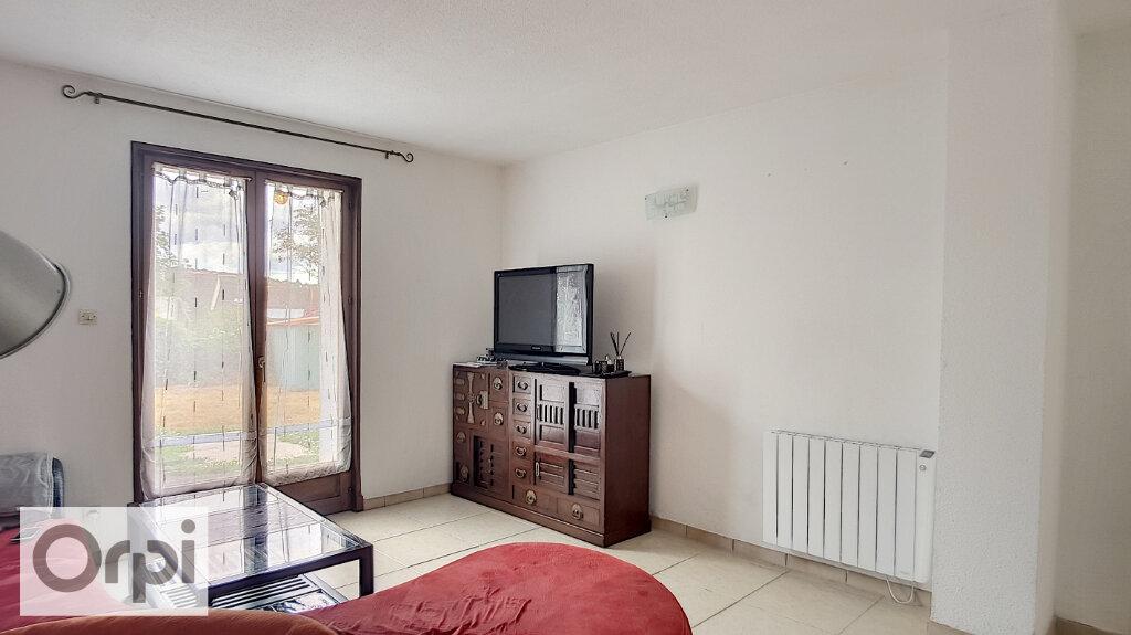 Appartement à louer 2 46m2 à Montluçon vignette-4