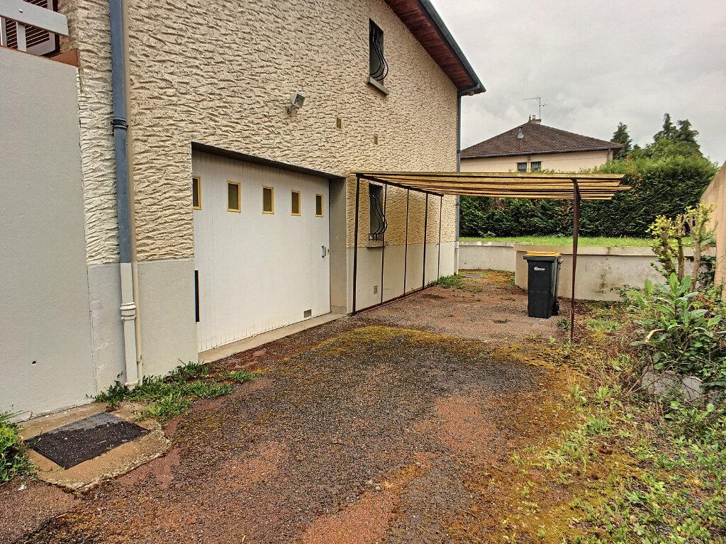 Maison à louer 5 172.1m2 à Montluçon vignette-2