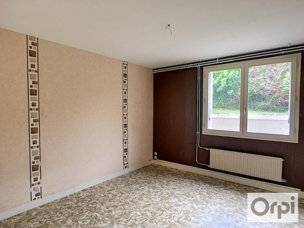 Maison à louer 5 172.1m2 à Montluçon vignette-15