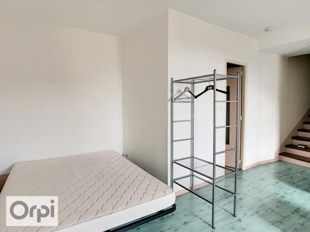 Appartement à louer 1 17m2 à Montluçon vignette-3