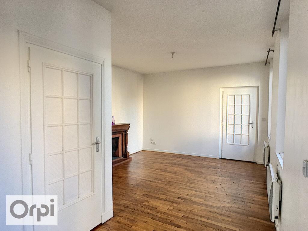 Maison à louer 3 64.25m2 à Montluçon vignette-2