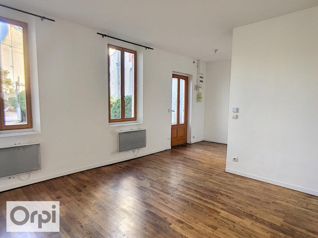 Maison à louer 3 64.25m2 à Montluçon vignette-3