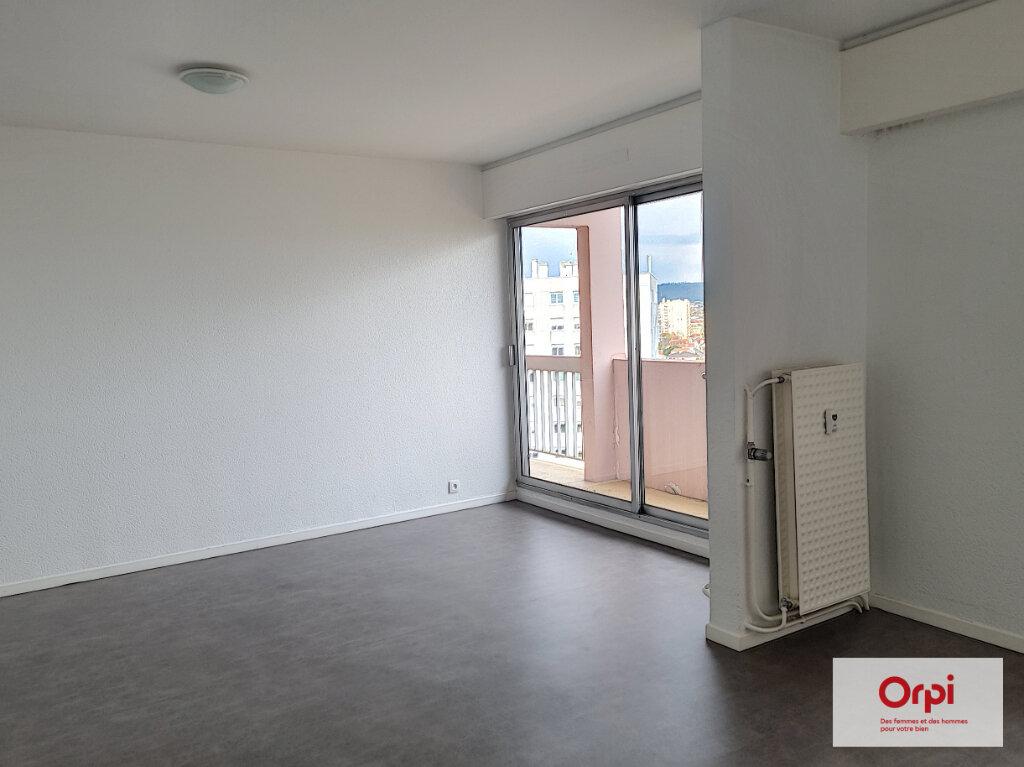 Appartement à louer 5 99.63m2 à Montluçon vignette-4