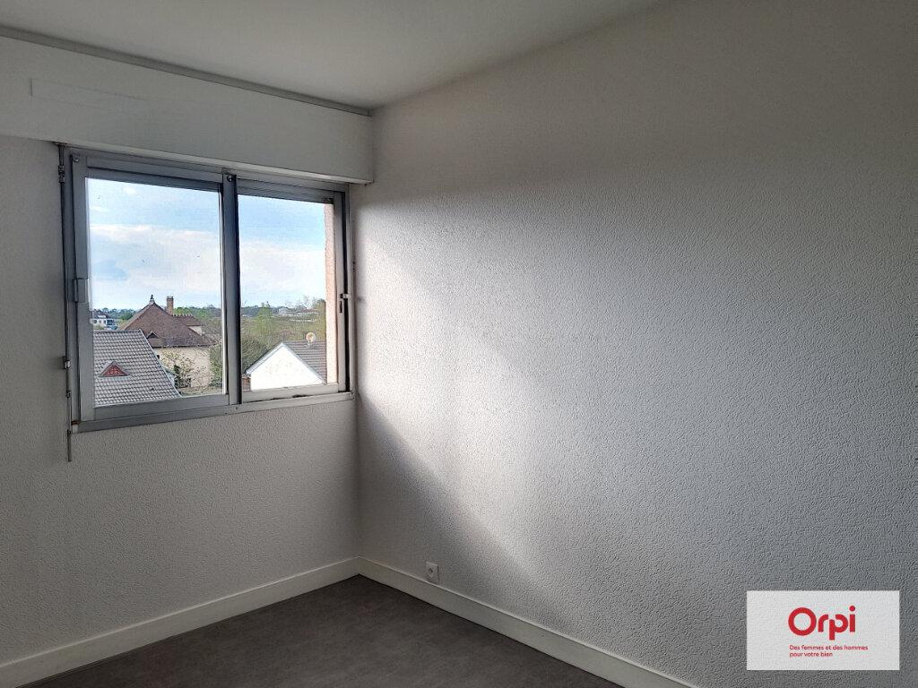 Appartement à louer 5 99.63m2 à Montluçon vignette-9