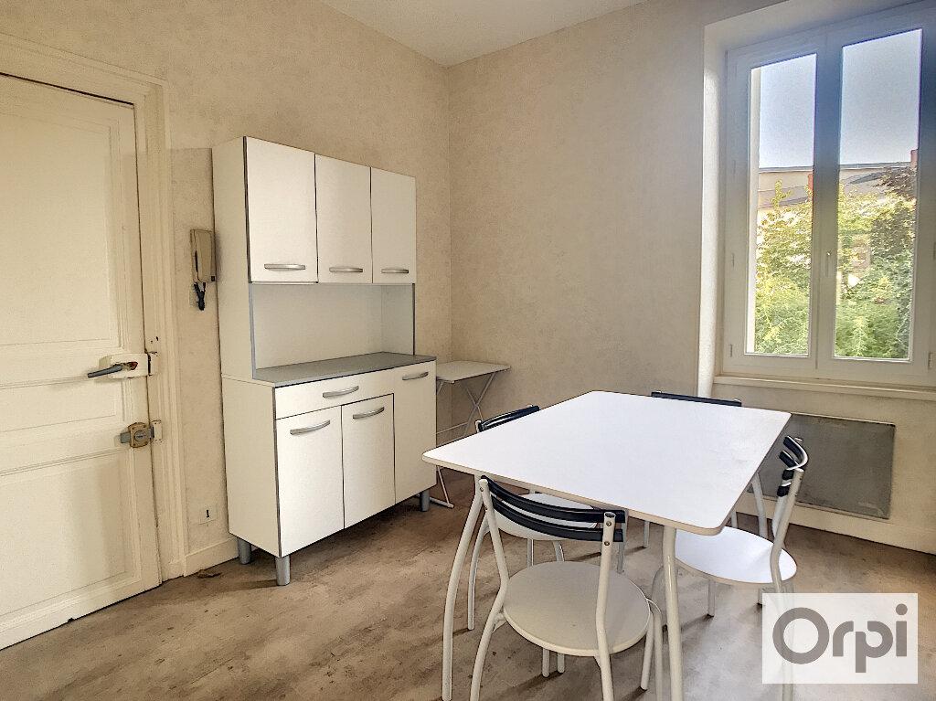 Appartement à louer 1 29.4m2 à Montluçon vignette-1