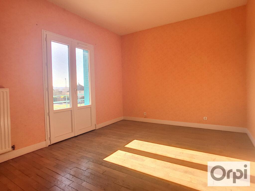Appartement à louer 3 65.8m2 à Montluçon vignette-4