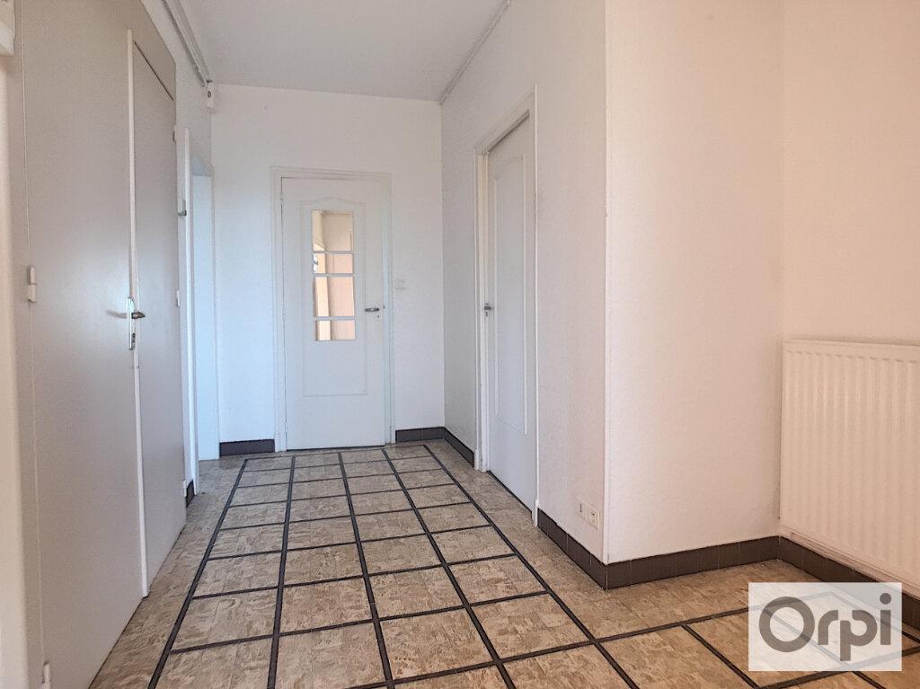 Appartement à louer 3 65.8m2 à Montluçon vignette-5