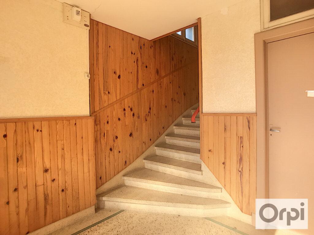 Appartement à louer 3 65.8m2 à Montluçon vignette-10
