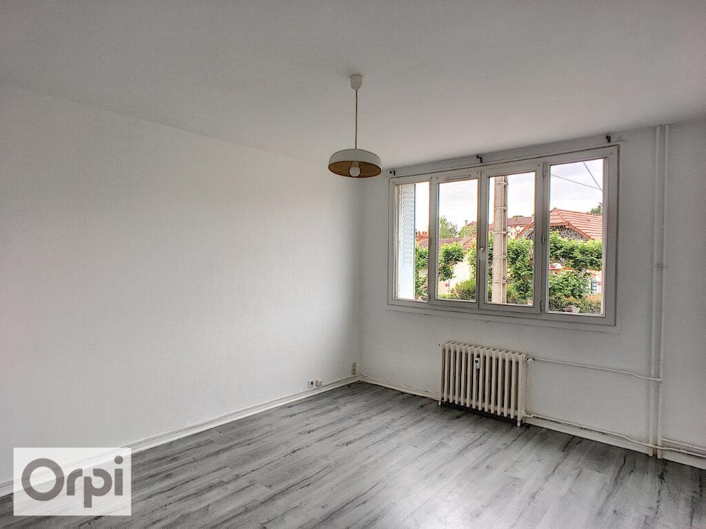 Appartement à louer 2 41.49m2 à Montluçon vignette-2
