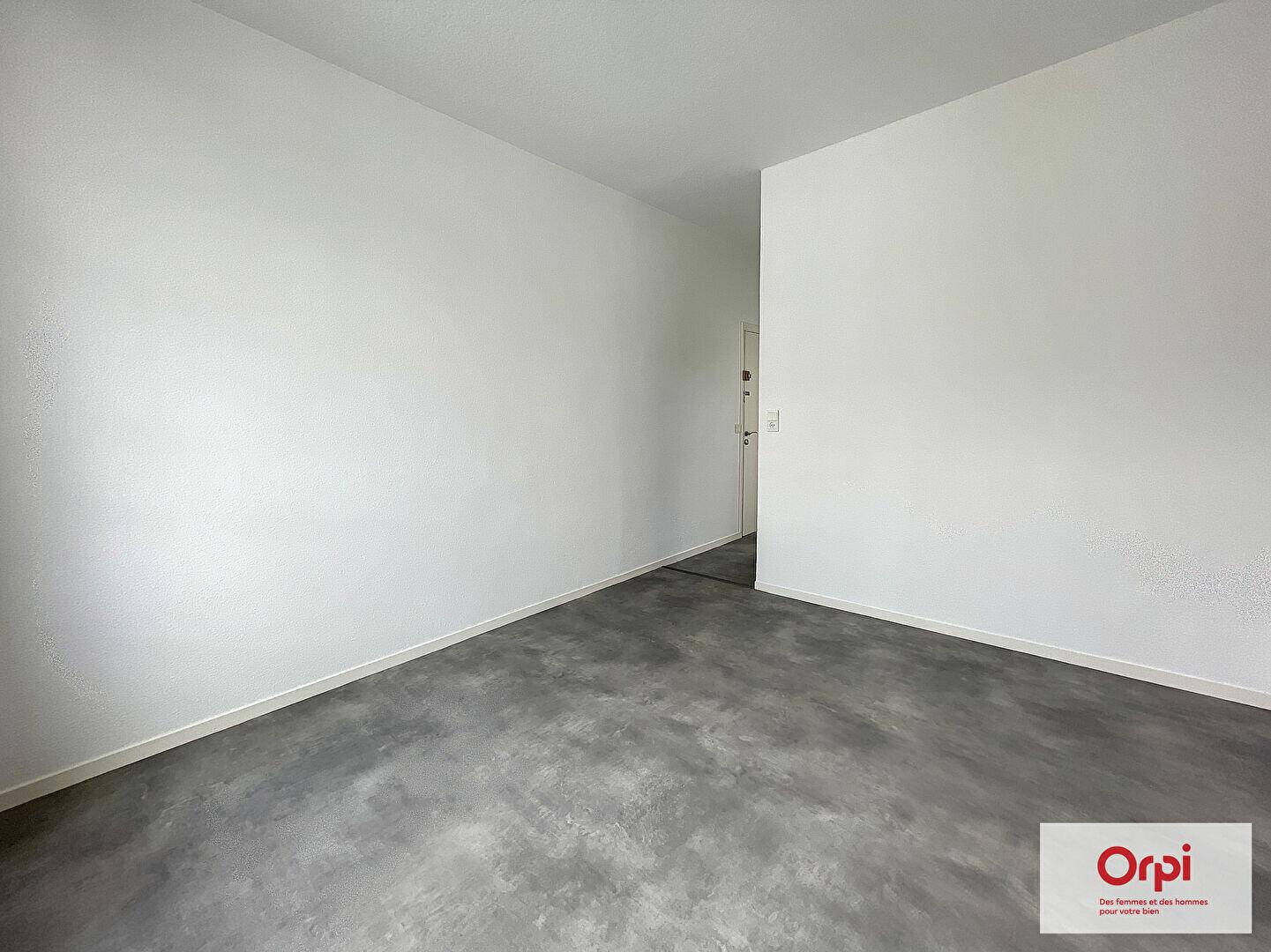 Appartement à louer 1 21.25m2 à Montluçon vignette-3