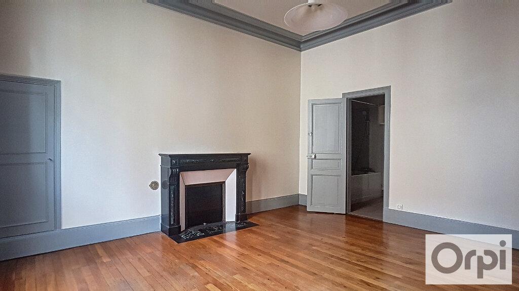 Appartement à louer 4 95m2 à Montluçon vignette-2