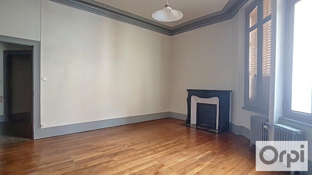 Appartement à louer 4 95m2 à Montluçon vignette-4