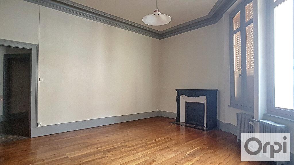 Appartement à louer 4 95m2 à Montluçon vignette-5