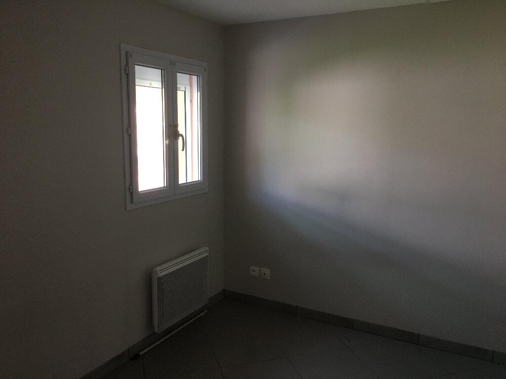 Maison à louer 2 35m2 à Montmarault vignette-4