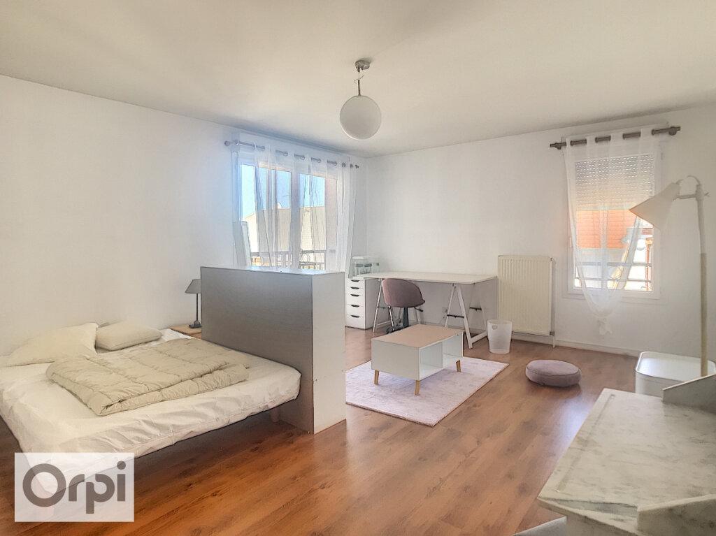 Appartement à louer 1 36.37m2 à Montluçon vignette-1