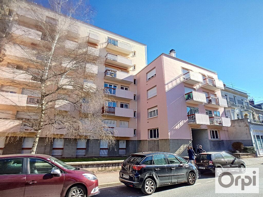 Appartement à louer 1 14.7m2 à Montluçon vignette-4